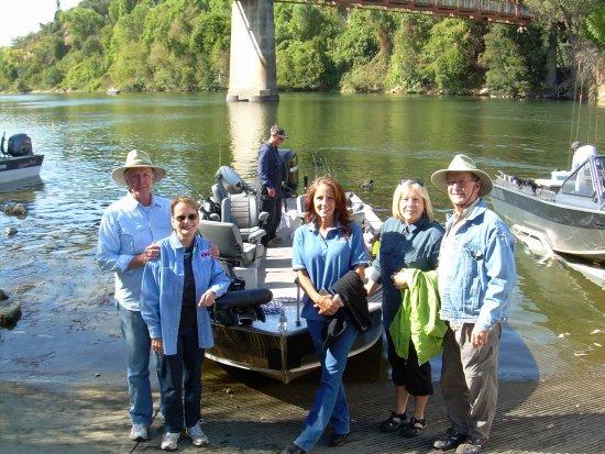 Girls trip for salmon with bob sparre fishing guide bob for Salmon fishing sacramento